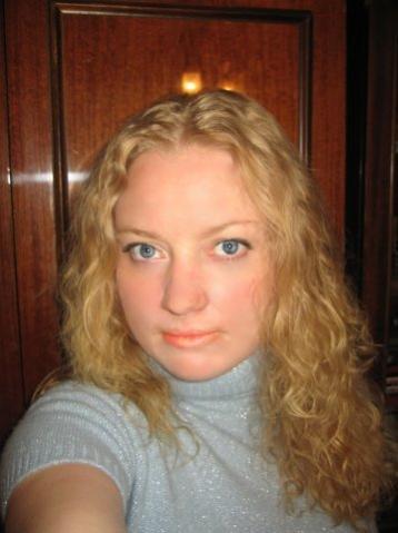 Биозавивку Mossa а также биовыпрямление волос и биоламинирование можно