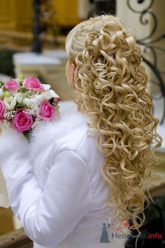 Классика и современность свадебной прически: шляпки, аксессуары для.