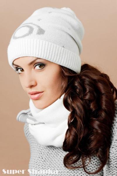 Молодежные шапки и шарфы