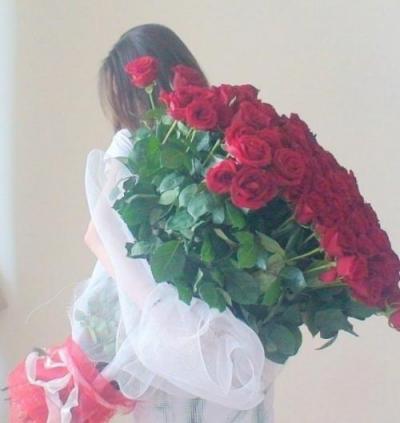 девушки фото без лица с цветами