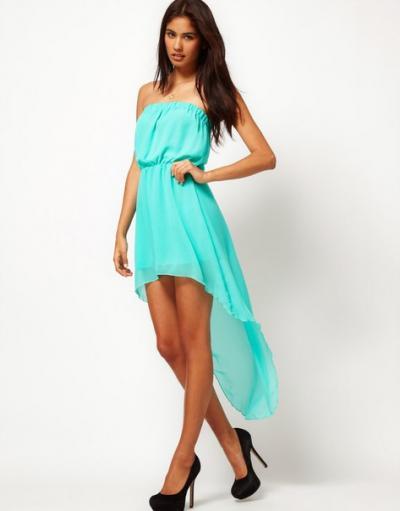 Простые платье со шлейфом
