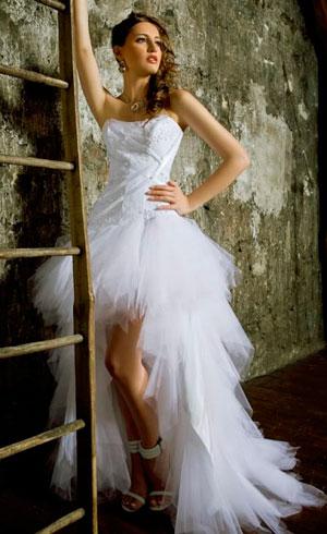 Свадебные платья с открытыми ногами и шлейфом фото