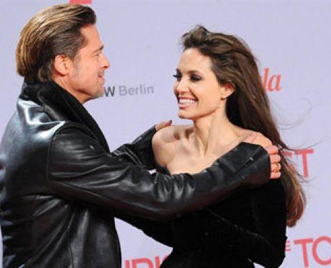 Анджелина Джоли и Брэд Питт решили укрепить свой союз с помощью