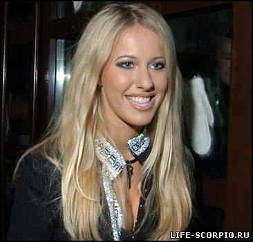 Скандально известная телеведущая Ксения Собчак на съемках шоу Две