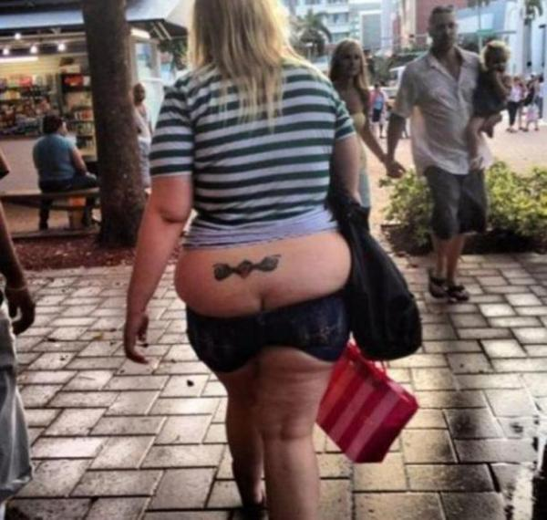 фото в шортах толстых и жирных