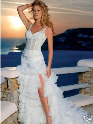 Неординарное эротичное короткое свадебное платье Роял.