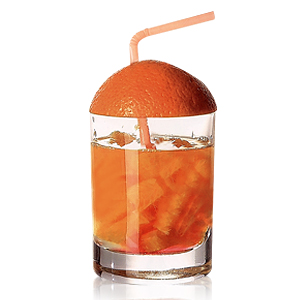 Оригинальный коктейль с кусочками апельсина.  Гарнир: кожура апельсина.