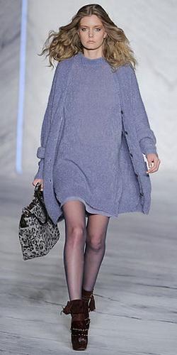 Текст - Klaudia.  Вязаное пальто - одно из наиболее нужных и удобных...