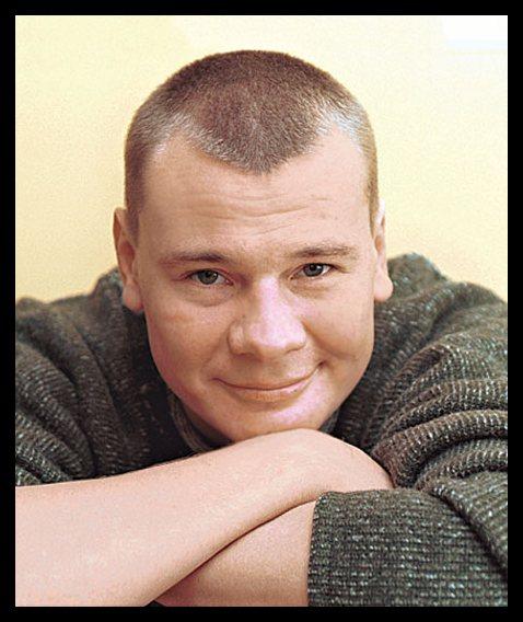 Около 14:00 в Москве скончался известный актер Владислав Галкин.