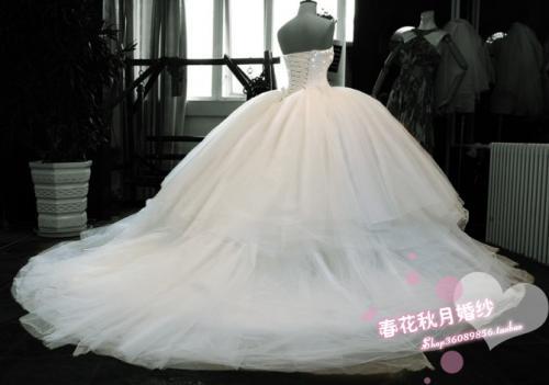 ...королевское свадебное платье.  Не надо боятся что упадешь потому, что...