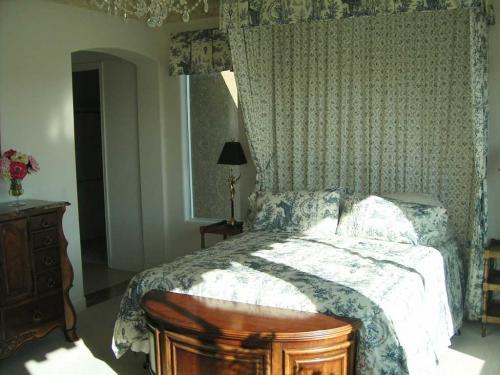 интерьер молодежной спальни.