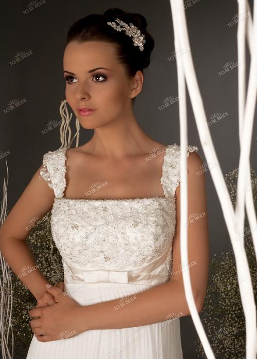 В этом платье вы можете на один день превратиться в любимую...