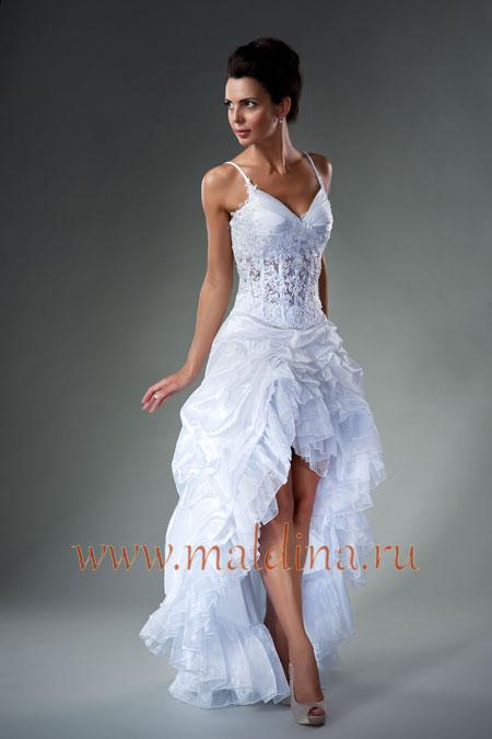 Свадебное платье короткое со шлейфом.