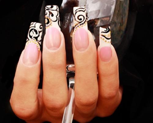 наращивание ногтей черный-белый френч фото.