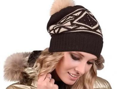 Модные стильные зимние женские меховые шапки от производителя.