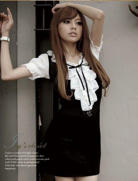 Сладкое платье чёрного цвета с рукавами короткими.