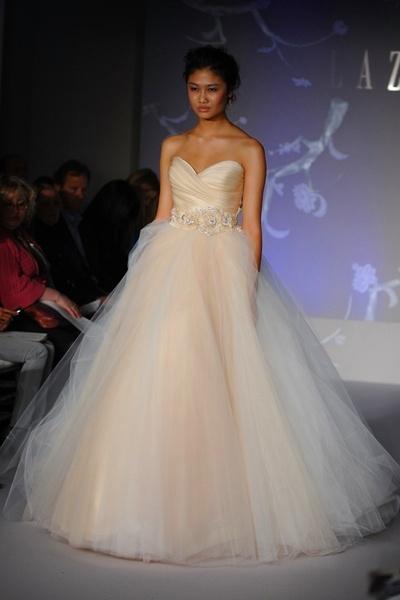 свадебные платья lazaro спб - Свадебные