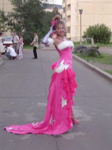 Фото платьев на выпускной смешные
