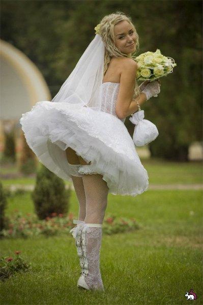 Необычные свадебные платья. какое нравится? фото