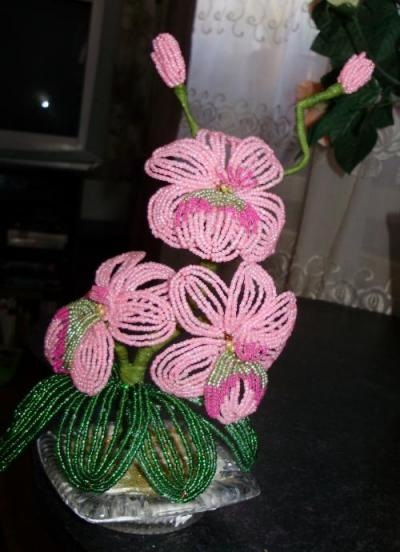Фотографии Цветы из бисера на заказ.