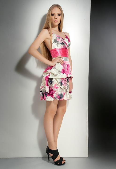 фото выпускных коротких платьев 2011.